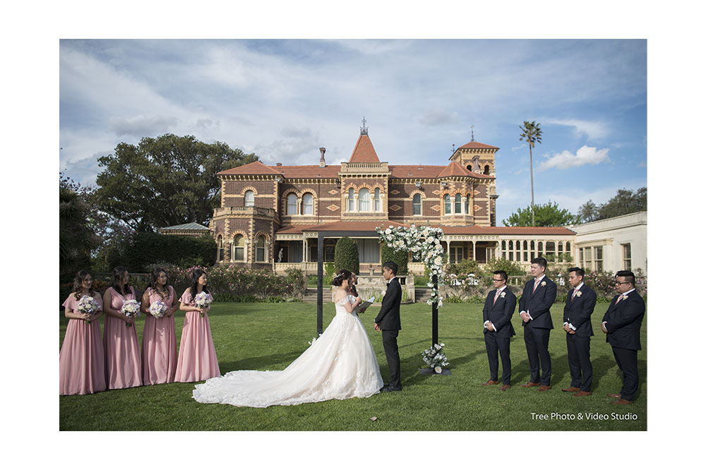 Annie and Alexander Rippon Lea Estate Wedding Melbourne 19 - 10 Melbourne Heritage Wedding Venues to Consider for Weddings
