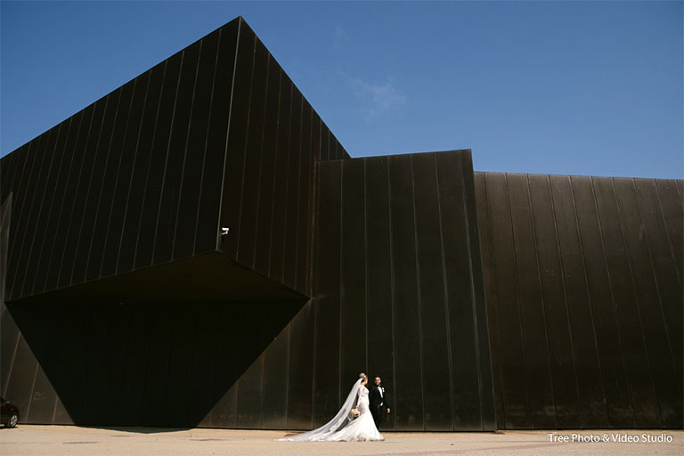 Australian Center for Contemporary Art (ACCA)Wedding Photography 1 - The best wedding photo locations in Melbourne [2020]