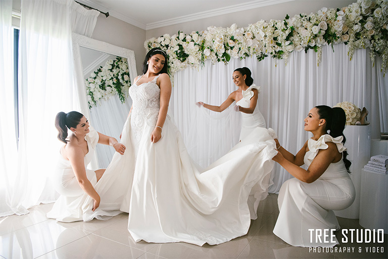 Mona Lisa Wedding Photography CF 35 - How to Film a Wedding Videography, Complete Guide